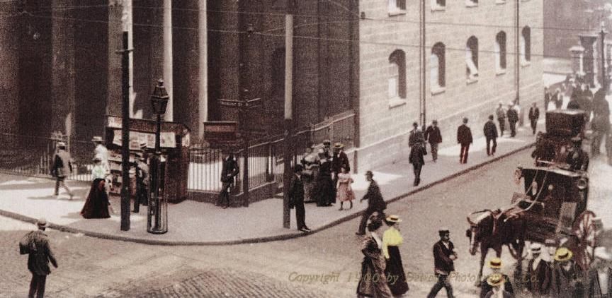 Vue d'une rue de Boston avec ses passants au début du 20e siècle